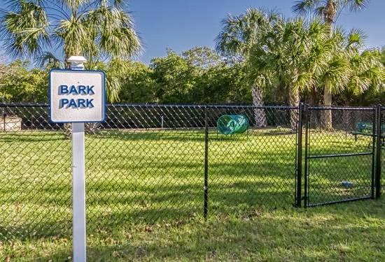 Little Manatee bark park with fence