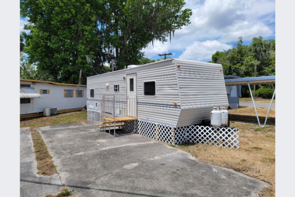 Newly Renovated RV on Alafia River Located in 55+ Community